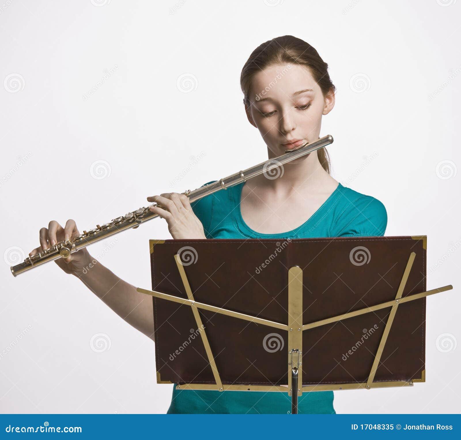 играть девушки каннелюры подростковый