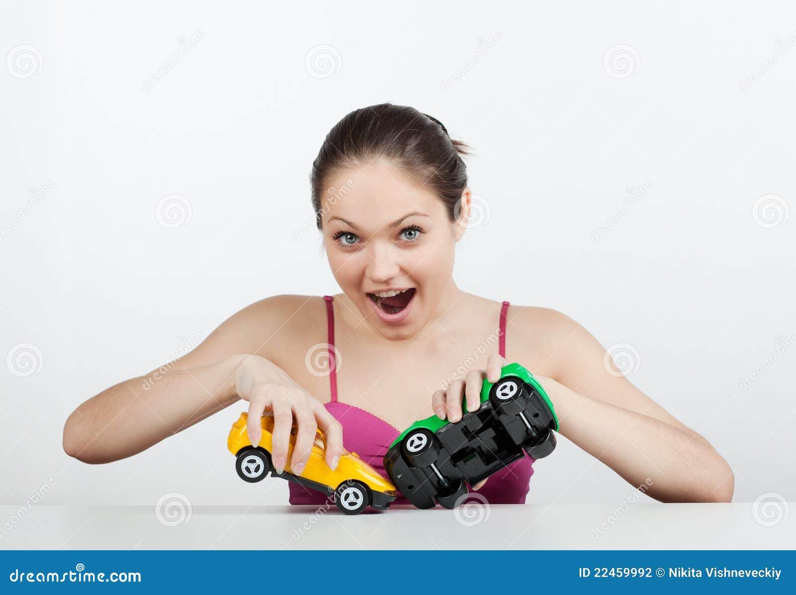игрушка девушки автомобилей