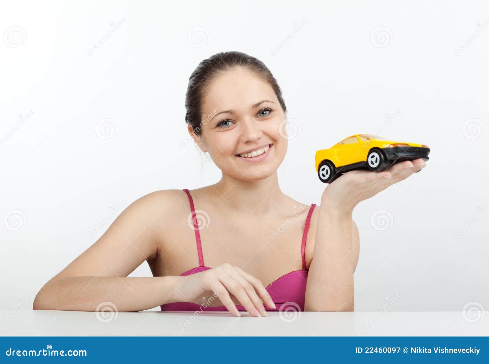 игрушка машины девушки