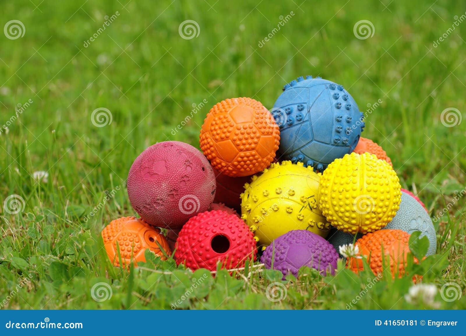 Игрушка шарика на собаки 3