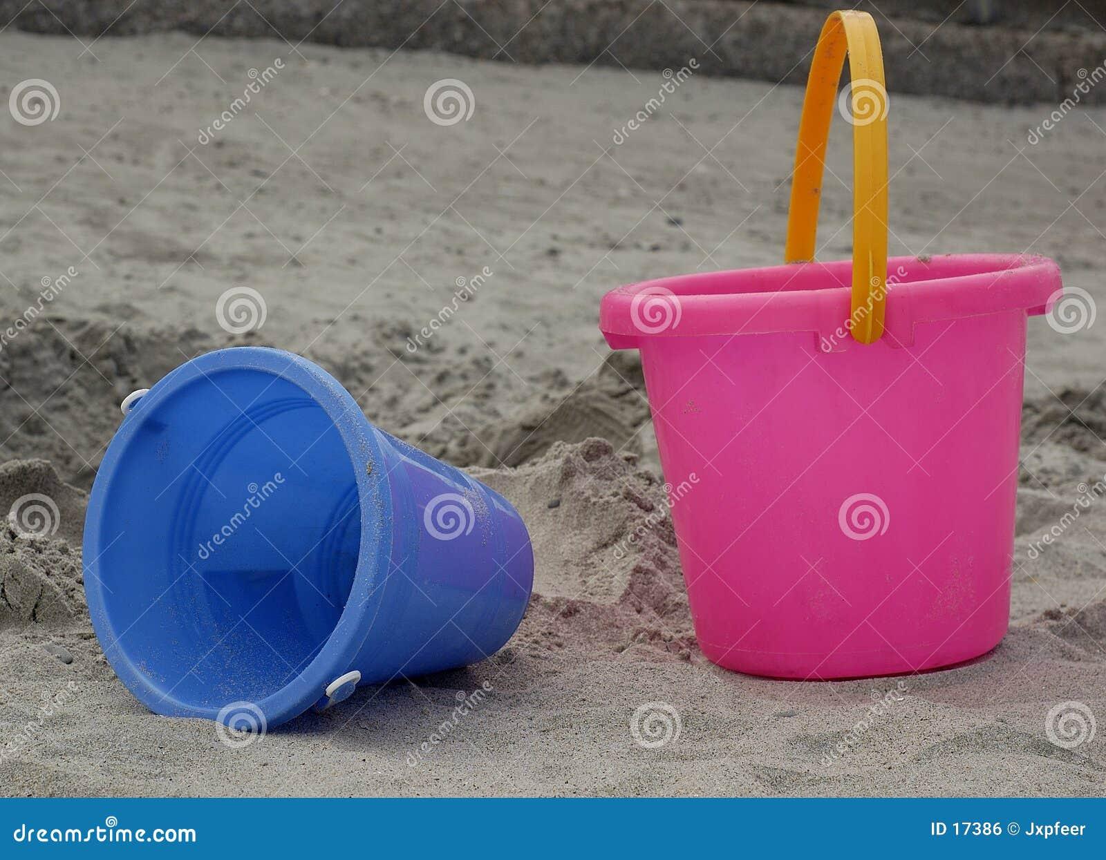игрушки пляжа