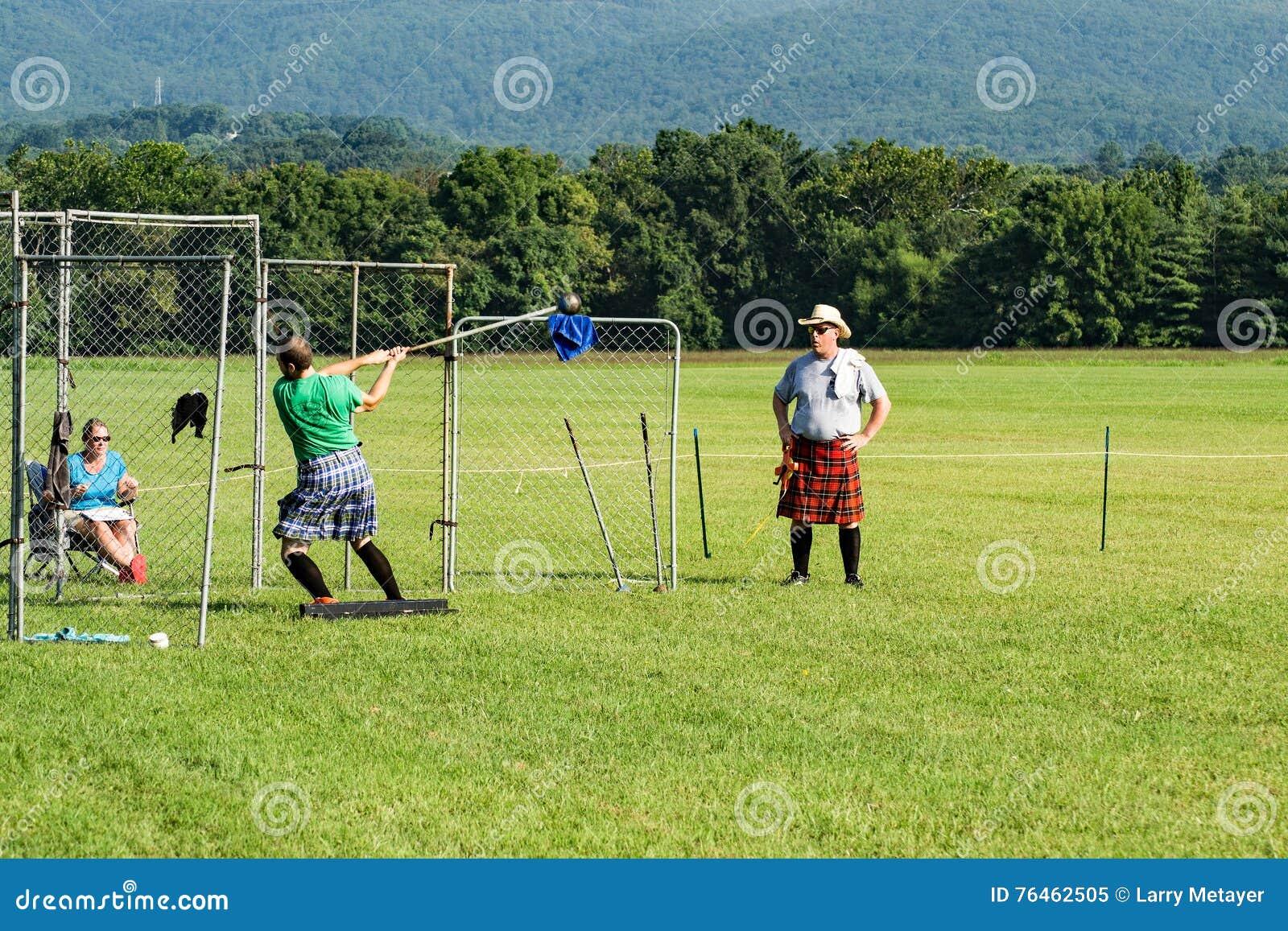 Игры гористой местности шотландского †метания молота «, Салем, VA