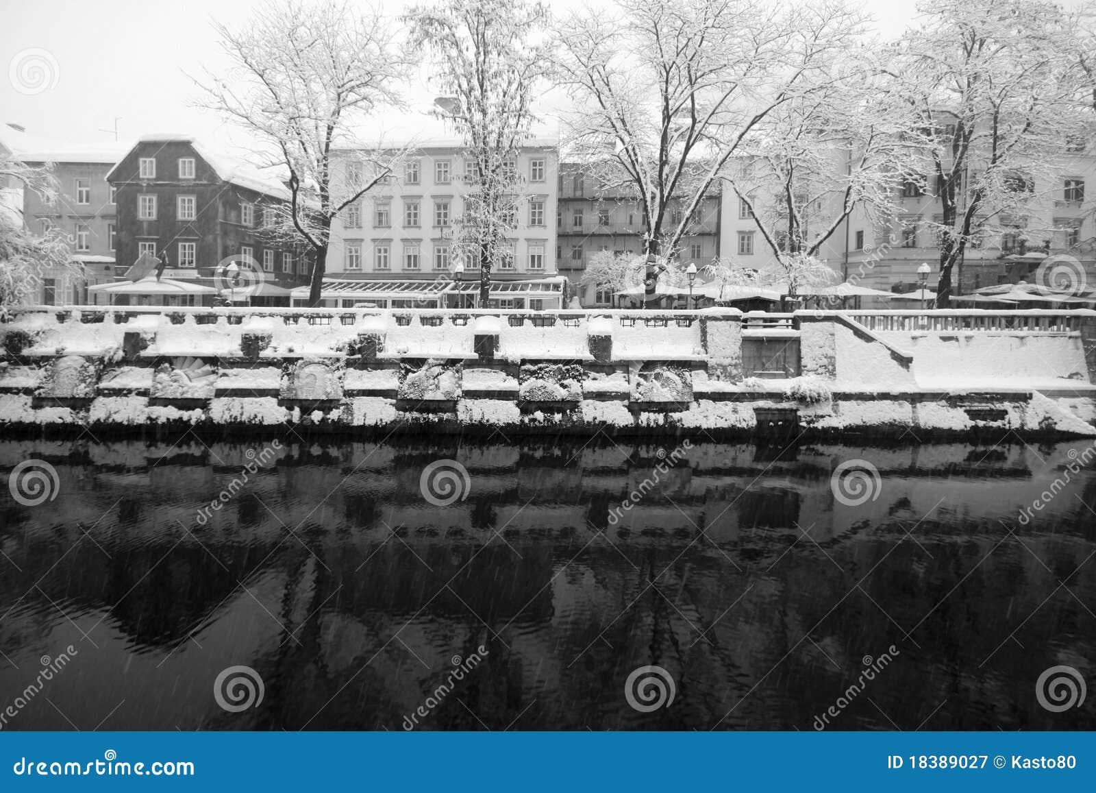 идти снег ljublana
