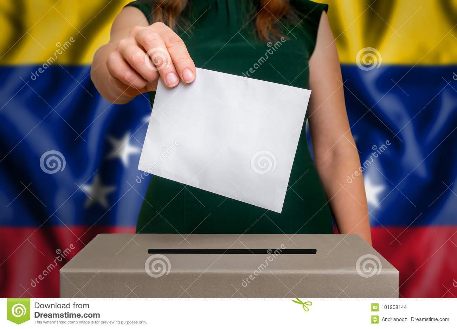 Избрание в Венесуэле - голосующ на урне для избирательных бюллетеней