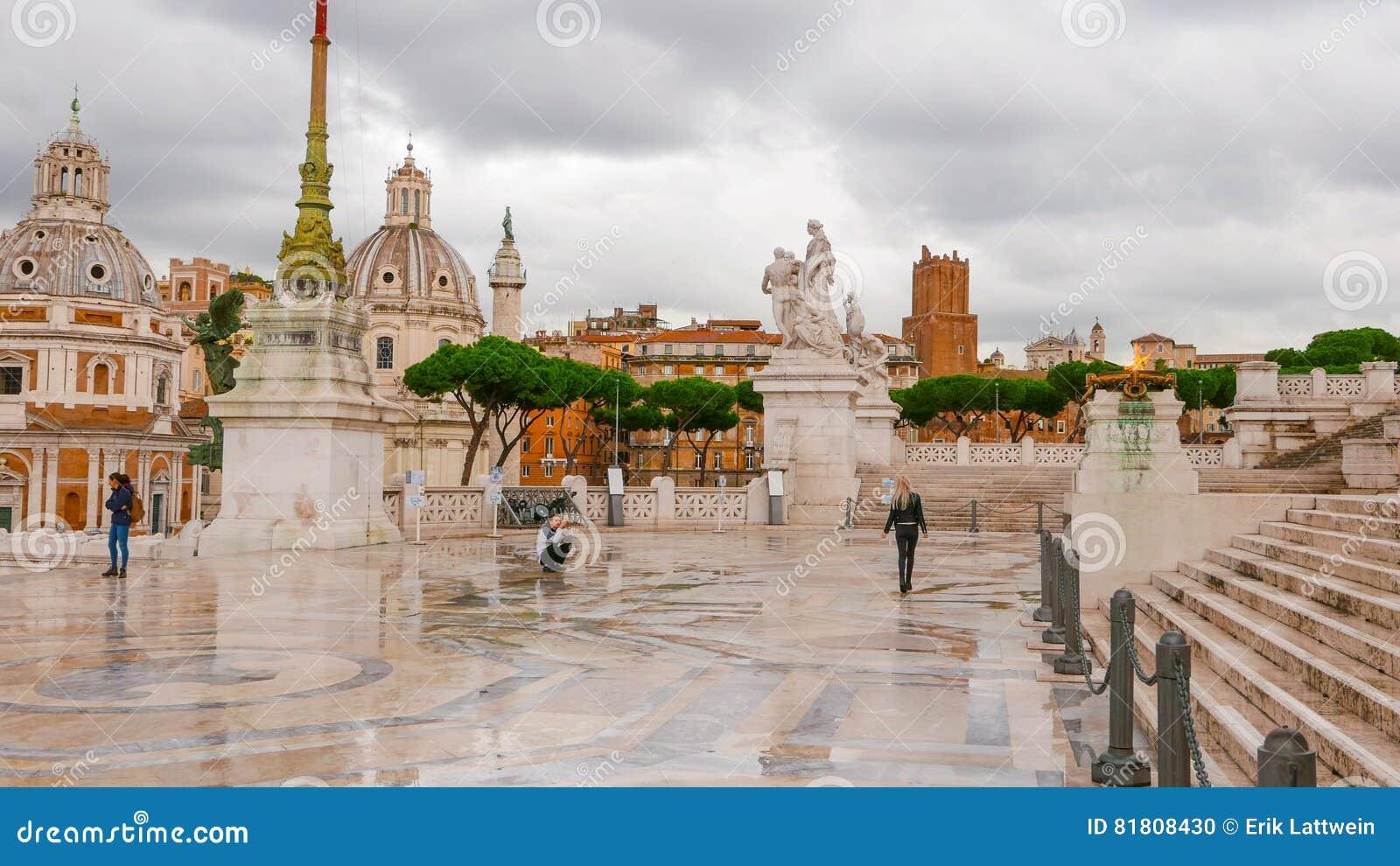 Известный национальный монумент в Риме - Vittorio Emanuele II