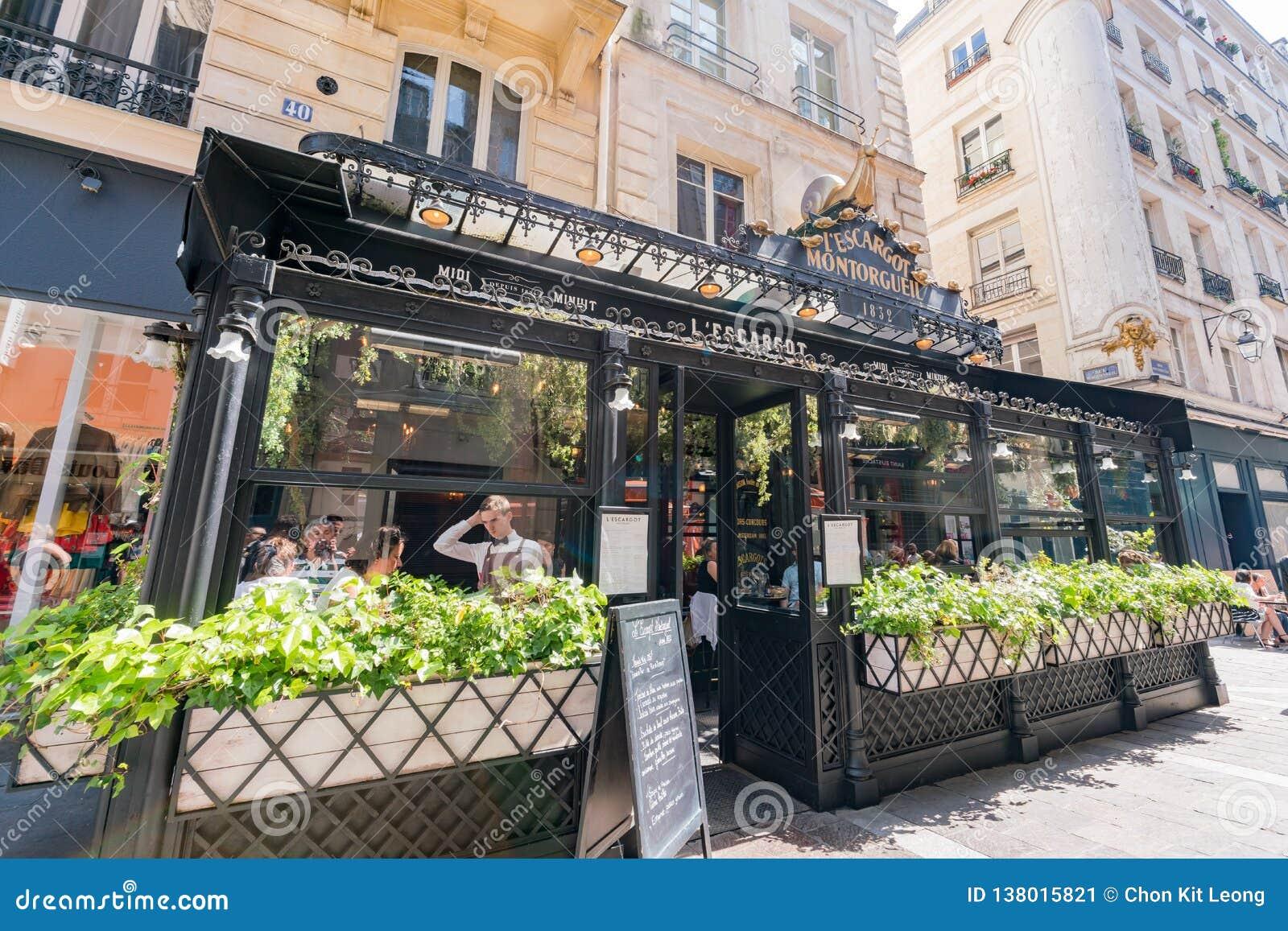 Известный ресторан L Escargot Montorgueil