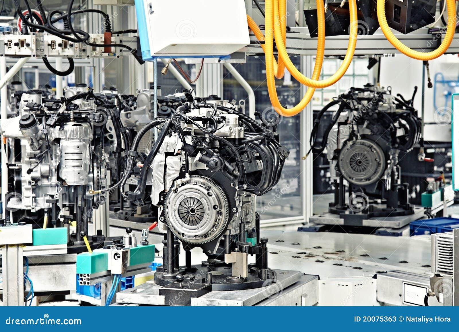 изготавливание двигателя автомобиля