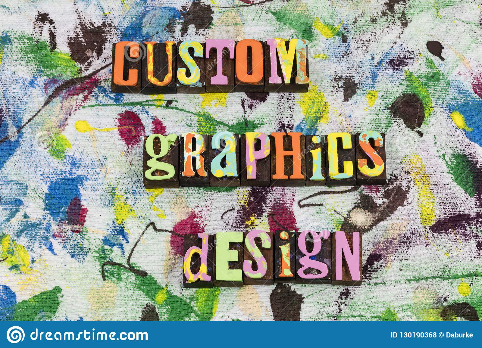 Изготовленный на заказ вебсайт дизайна графиков