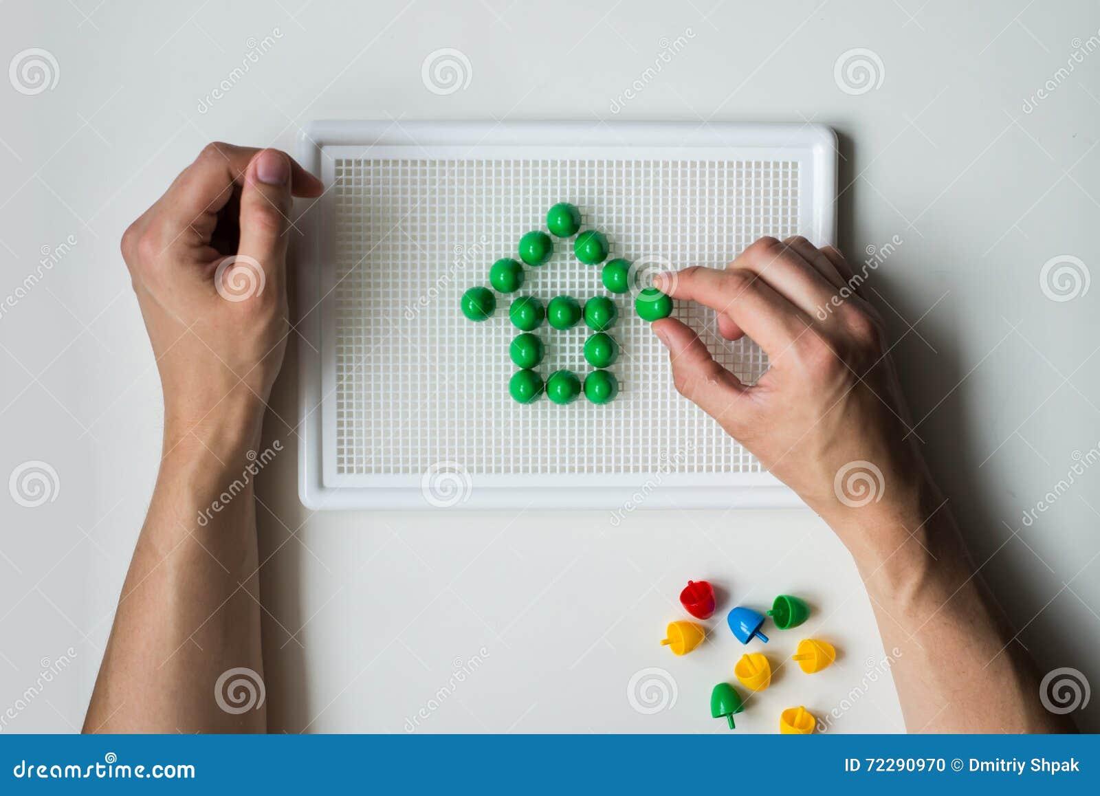 Download Изображение дома, который содержат мозаики детей Стоковое Фото - изображение насчитывающей игра, жест: 72290970