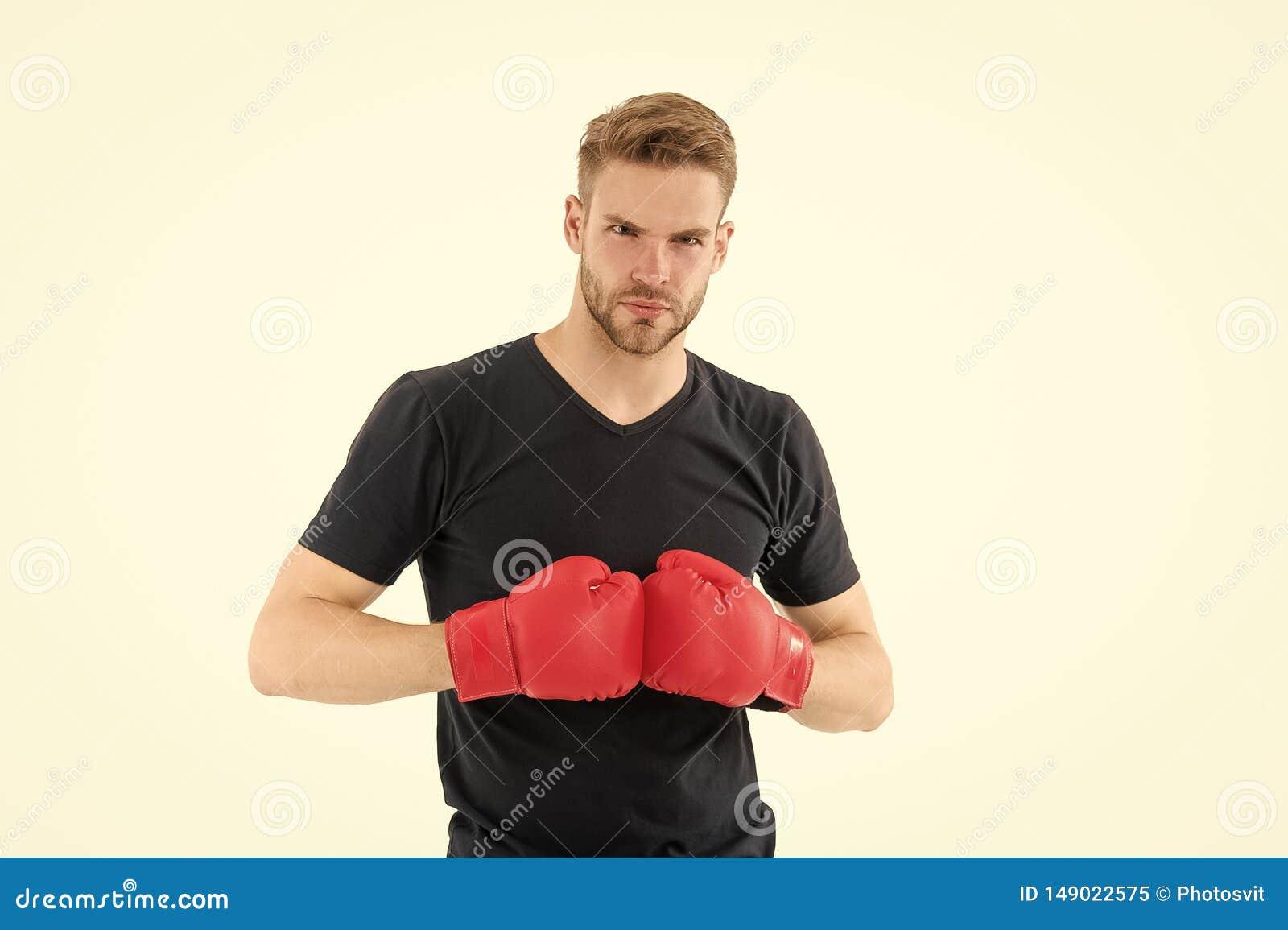Изо дня в день как схватка Боксер спортсмена с перчатками Концепция бокса Сторона спортсмена человека сконцентрированная боксером