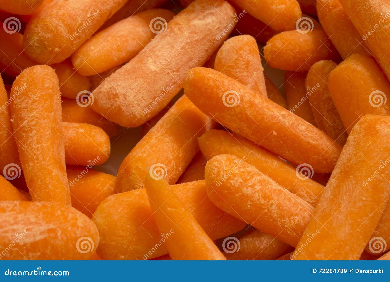 Download изолированные моркови младенца Стоковое Изображение - изображение насчитывающей овощи, питание: 72284789