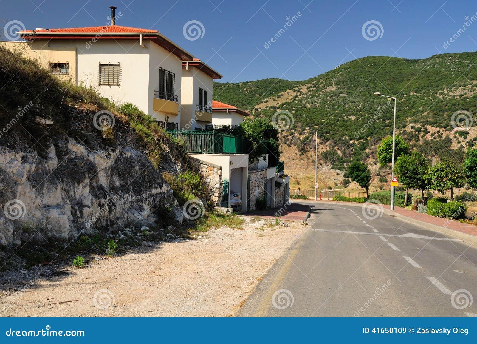 Израильское село