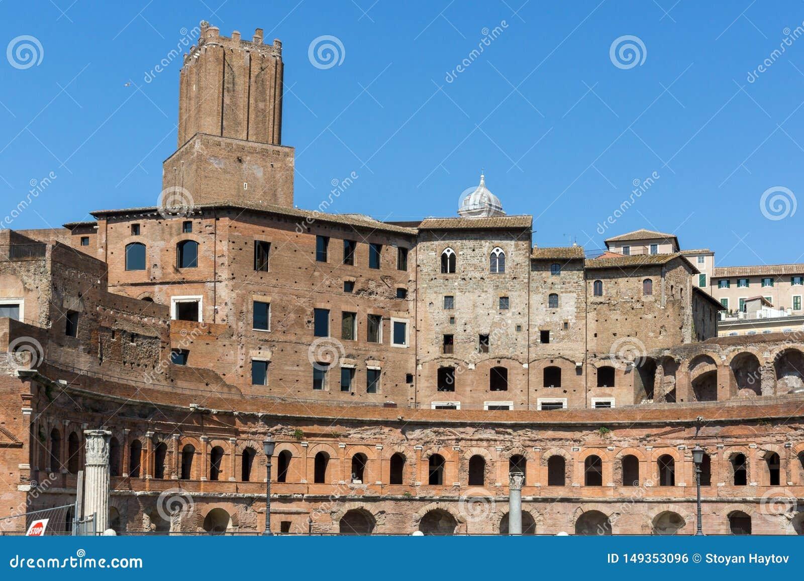 Изумляя взгляд форума Augustus в городе Рима, Италии