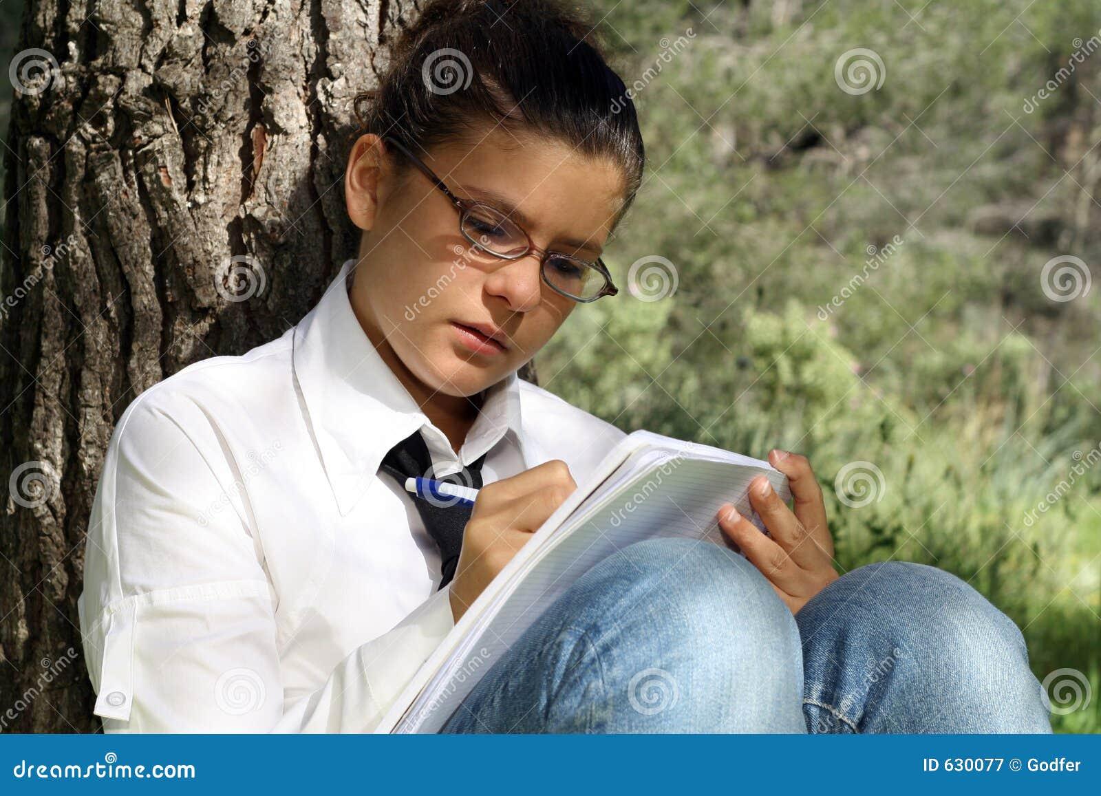 Download изучать предназначенное для подростков сочинительство Стоковое Изображение - изображение насчитывающей письмо, сочинительство: 630077