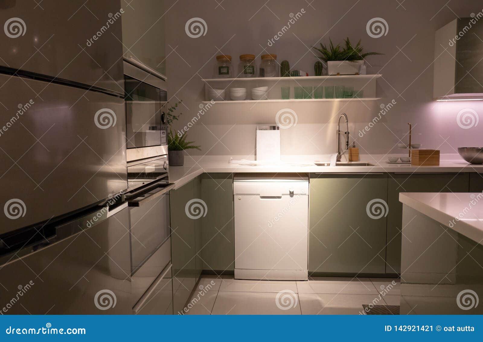 Изысканные новые характеристики кухни нутряная кухня самомоднейшая