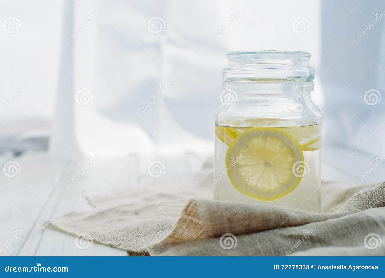 Download лимонад стоковое фото. изображение насчитывающей свеже - 72278338