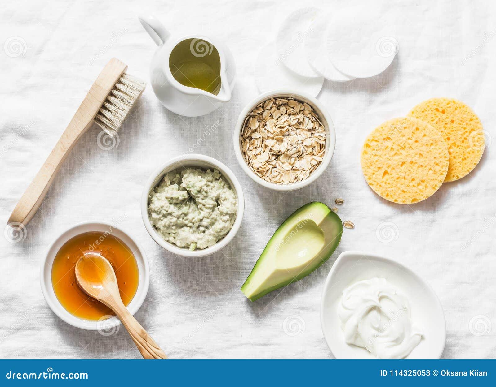 Ингридиенты для moisturizing, кормящ, против старения лицевой щиток гермошлема морщинки - авокадо, оливковое масло, овсяная каша,
