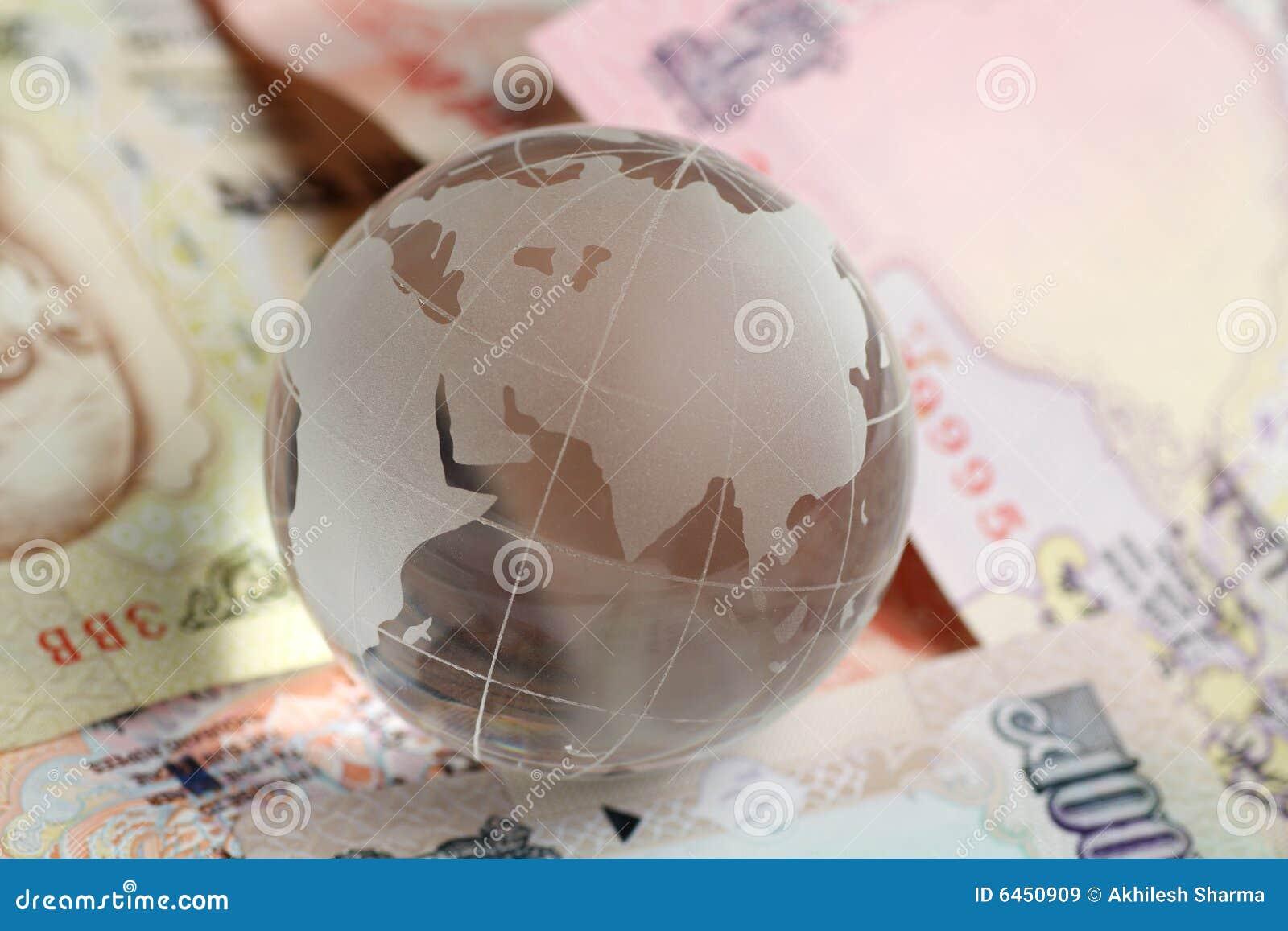 инец глобуса валюты