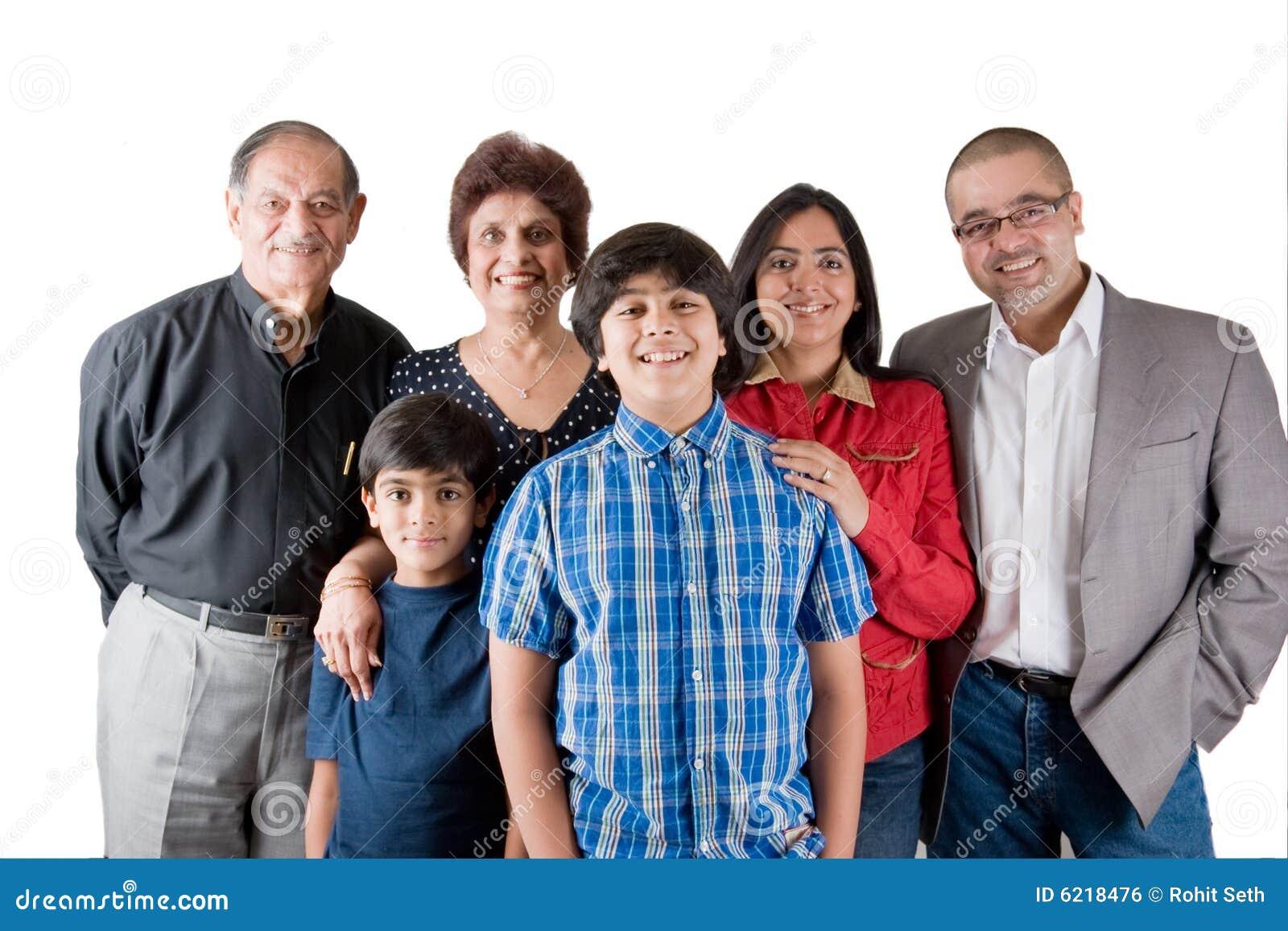 инец семьи из нескольких поколений