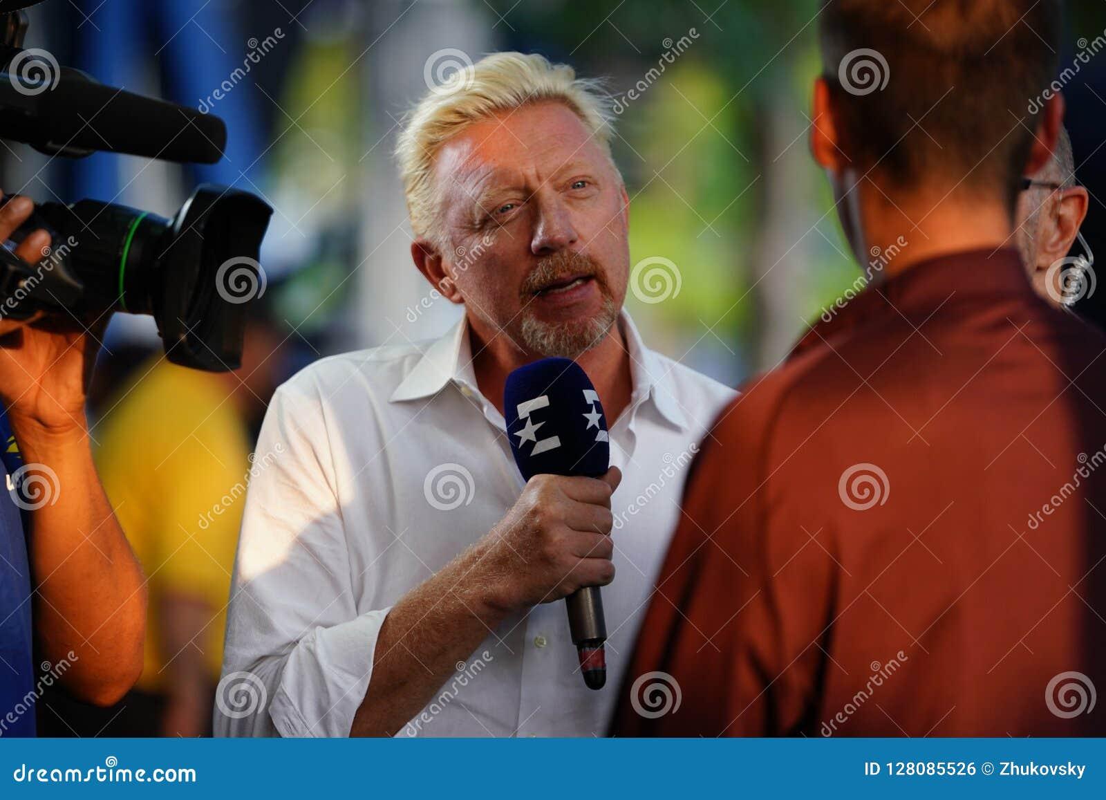 Интервью проведений Boris Becker чемпиона грэнд слэм аналитика Eurosport во время 2018 США раскрывает