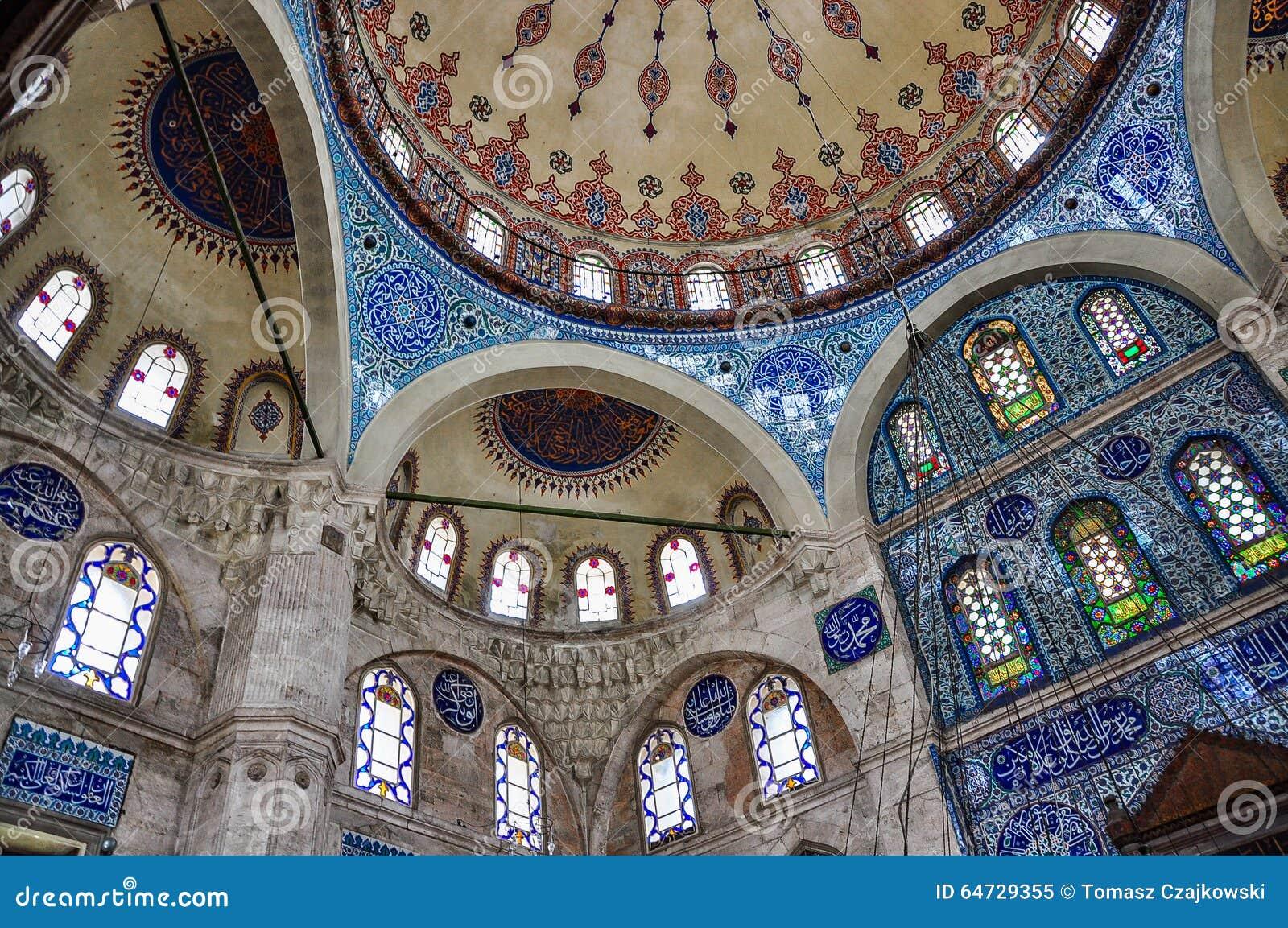 Интерьер мечети паши Sokollu Mehmet, Стамбула, Турции