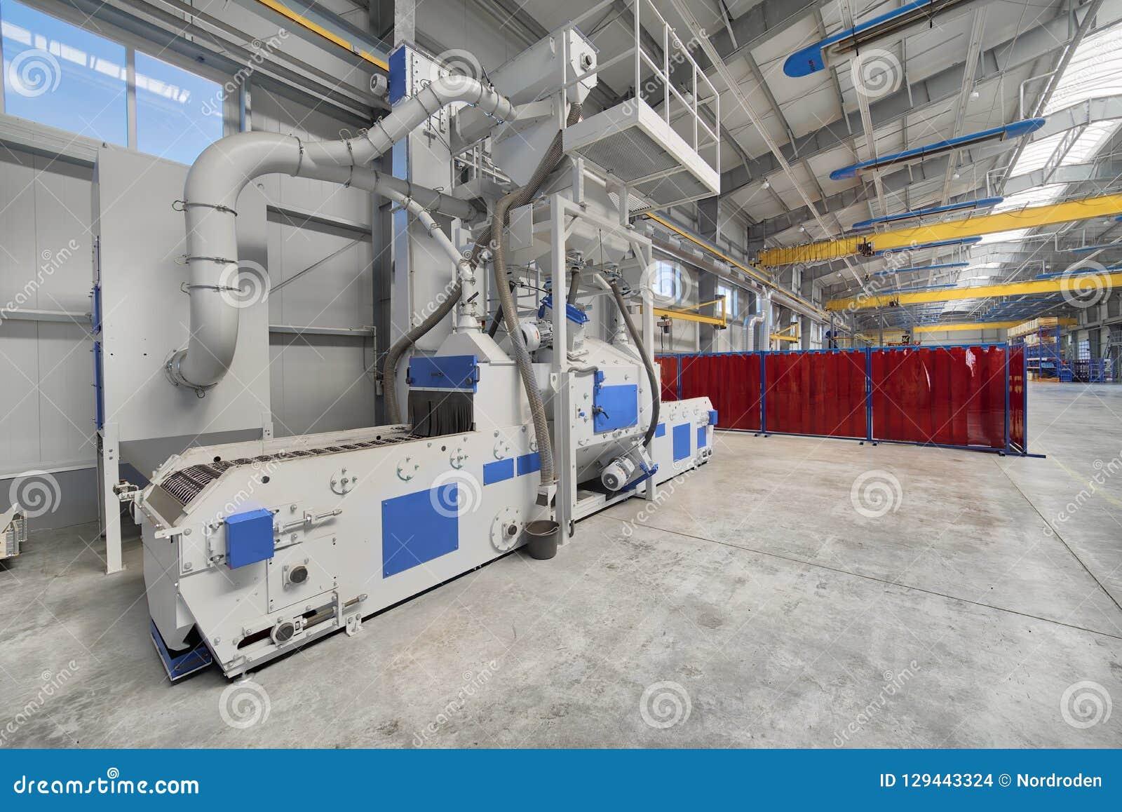 Интерьер современной фабрики Яркая большая мастерская, внутрь там блок взрывать съемки