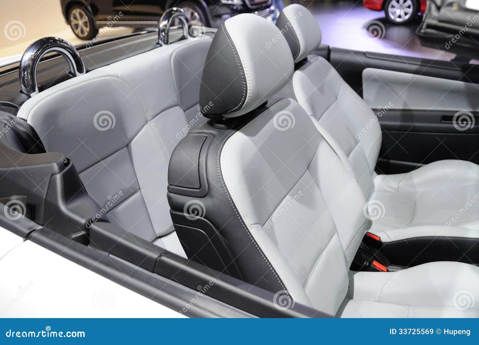 Интерьер спортивной машины