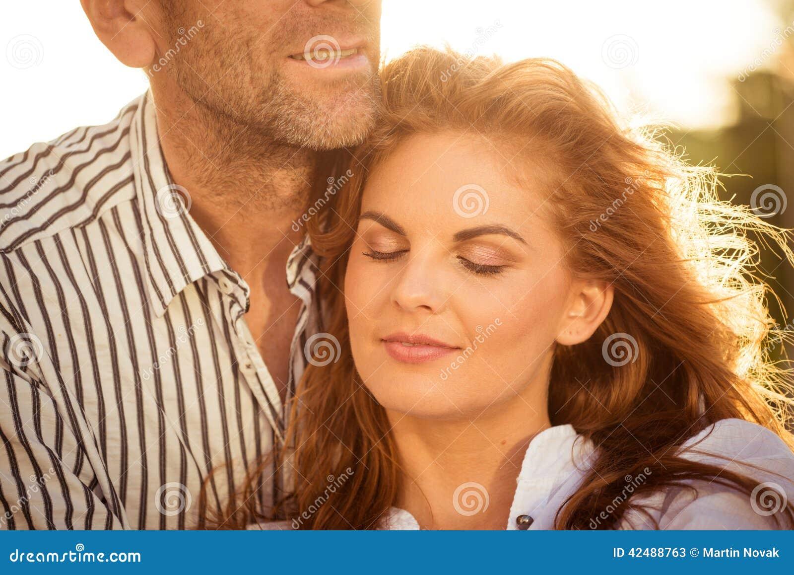 foto-televedushih-intimnie-momenti-na-foto-tolstiy-hrich