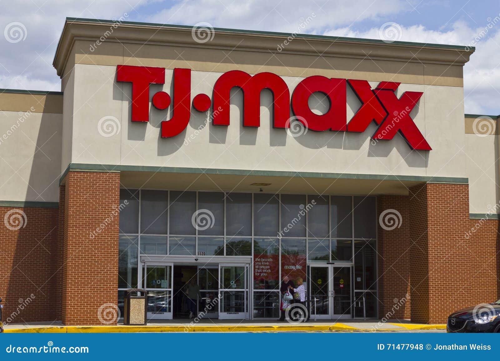 Индианаполис - около май 2016: T J Положение магазина розничной торговли i Maxx