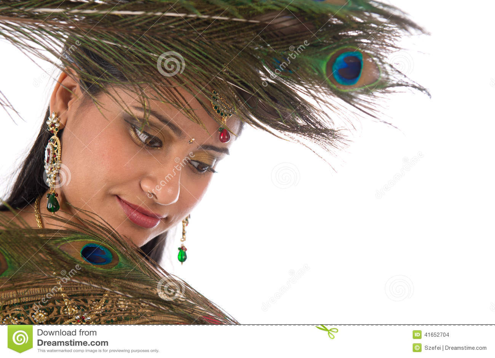 Индийская женщина с пер павлина