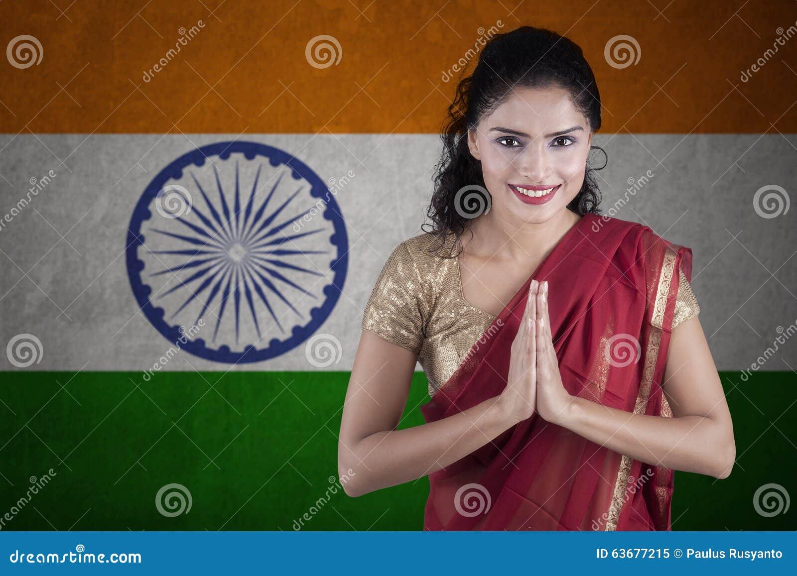 Индийская женщина с флагом Индии