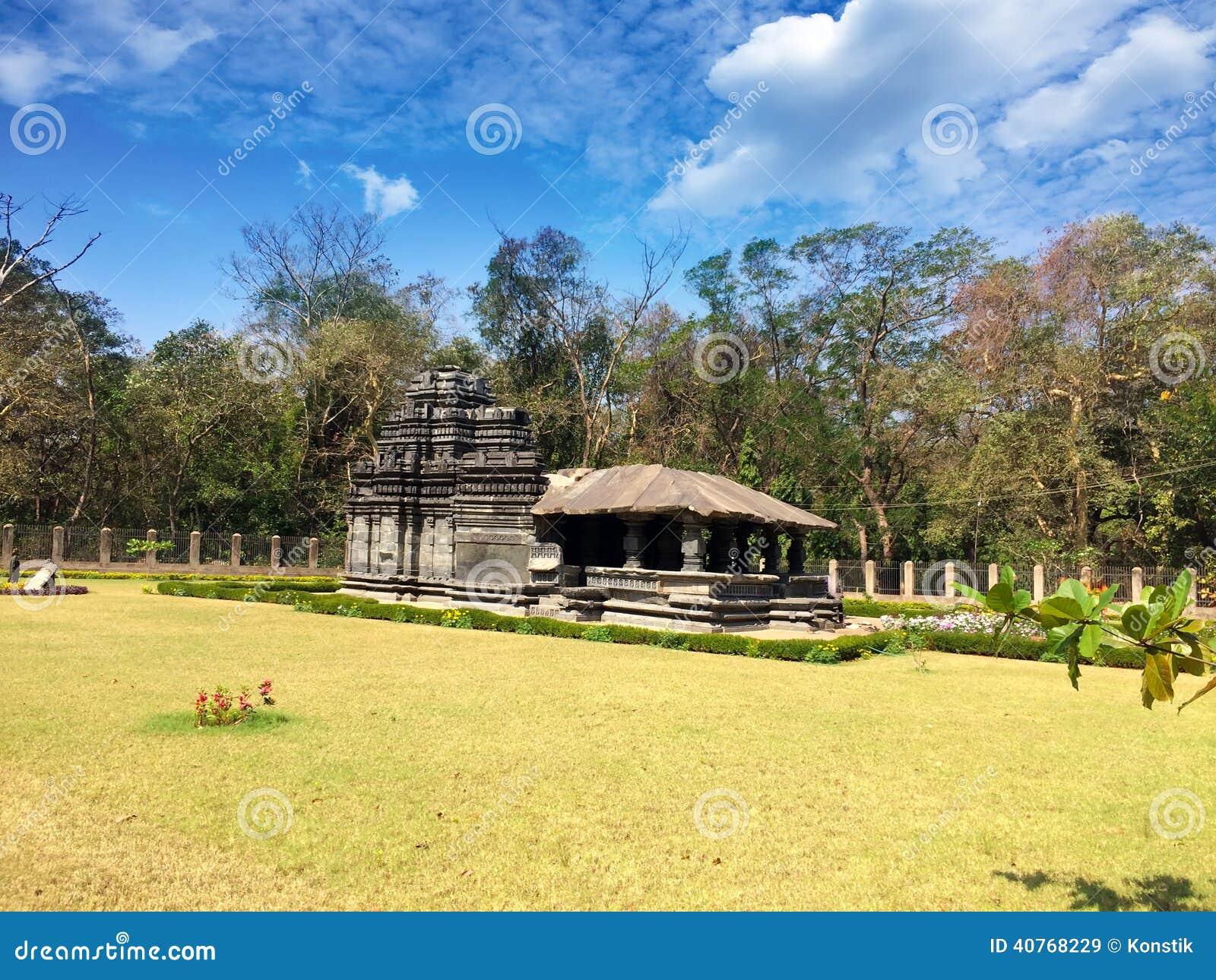 Индия goa Единственный, который остали висок Mahadev столетие XIII в Tambdi Surla