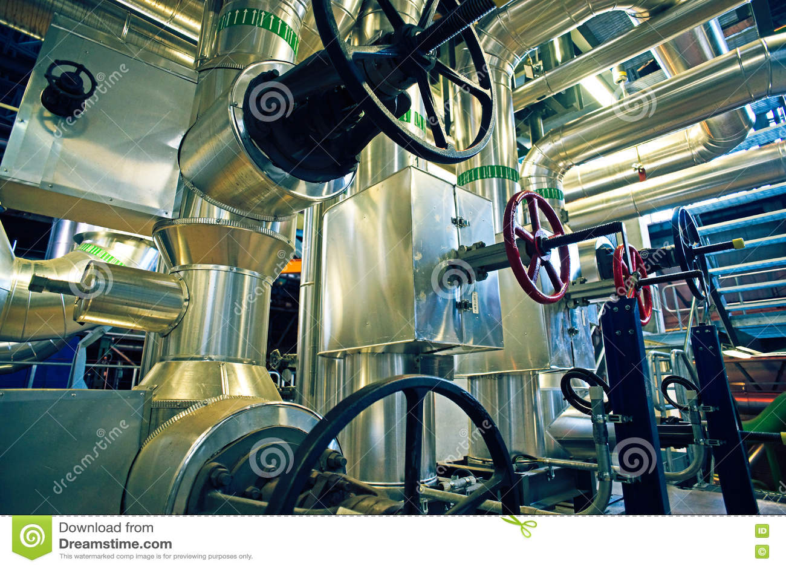 Download Индустриальная зона, стальные трубопроводы, клапаны и танки Стоковое Фото - изображение насчитывающей конспектов, линия: 72299440