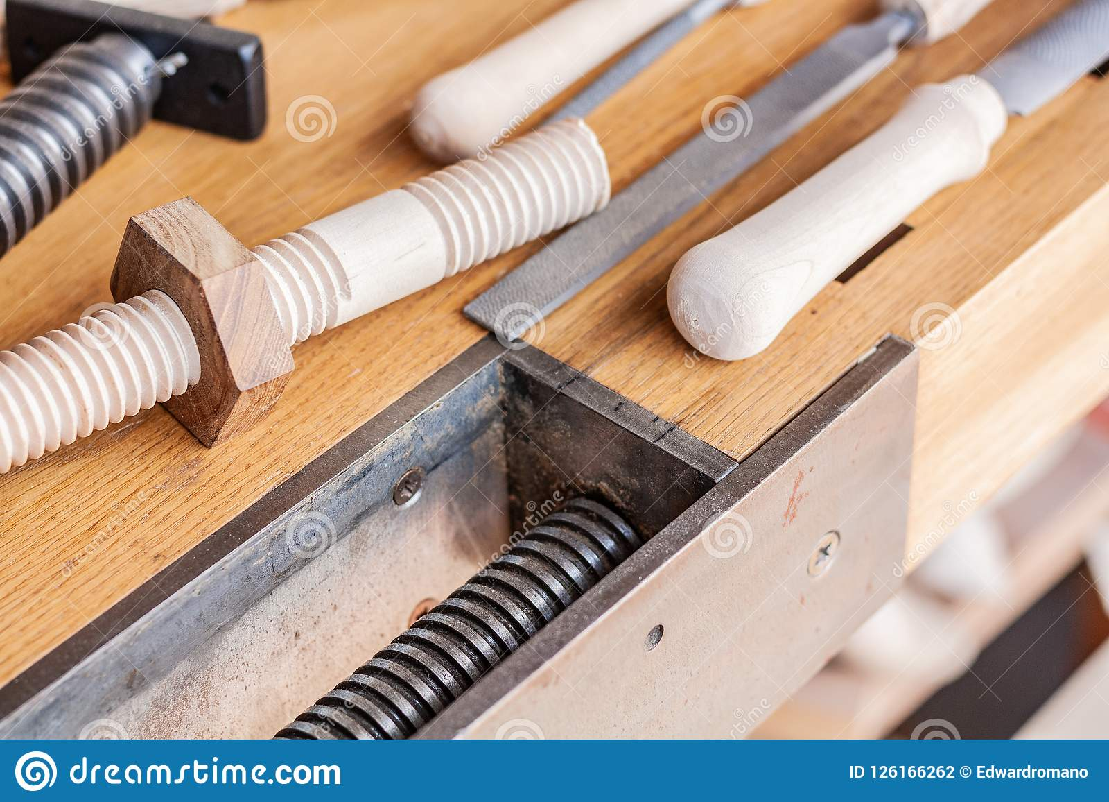 Искусство Woodworking, честное занятие в пределах устойчивого образа жизни Плотничество и вырезывание