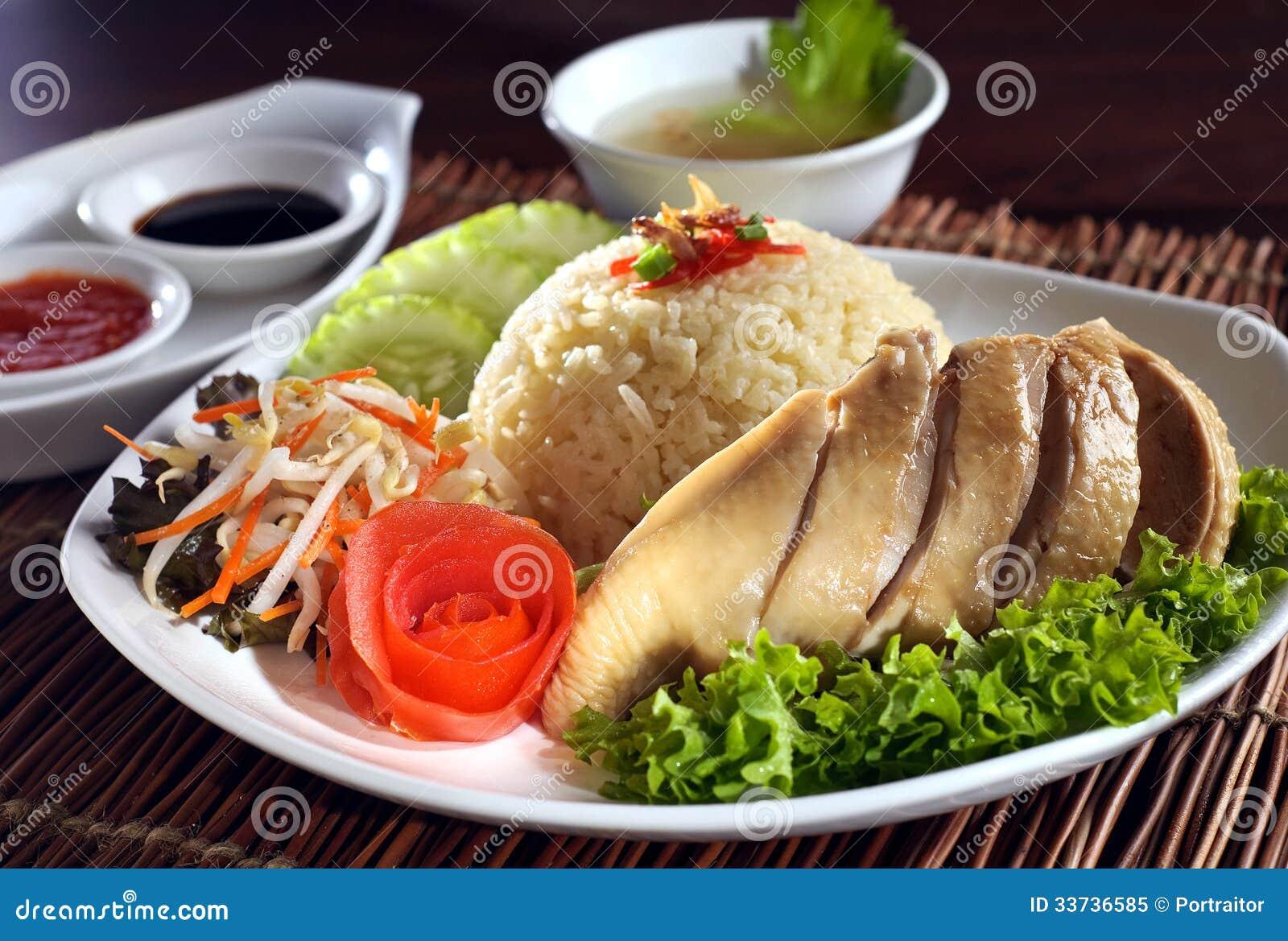 Испаренный азиатский рис цыпленка