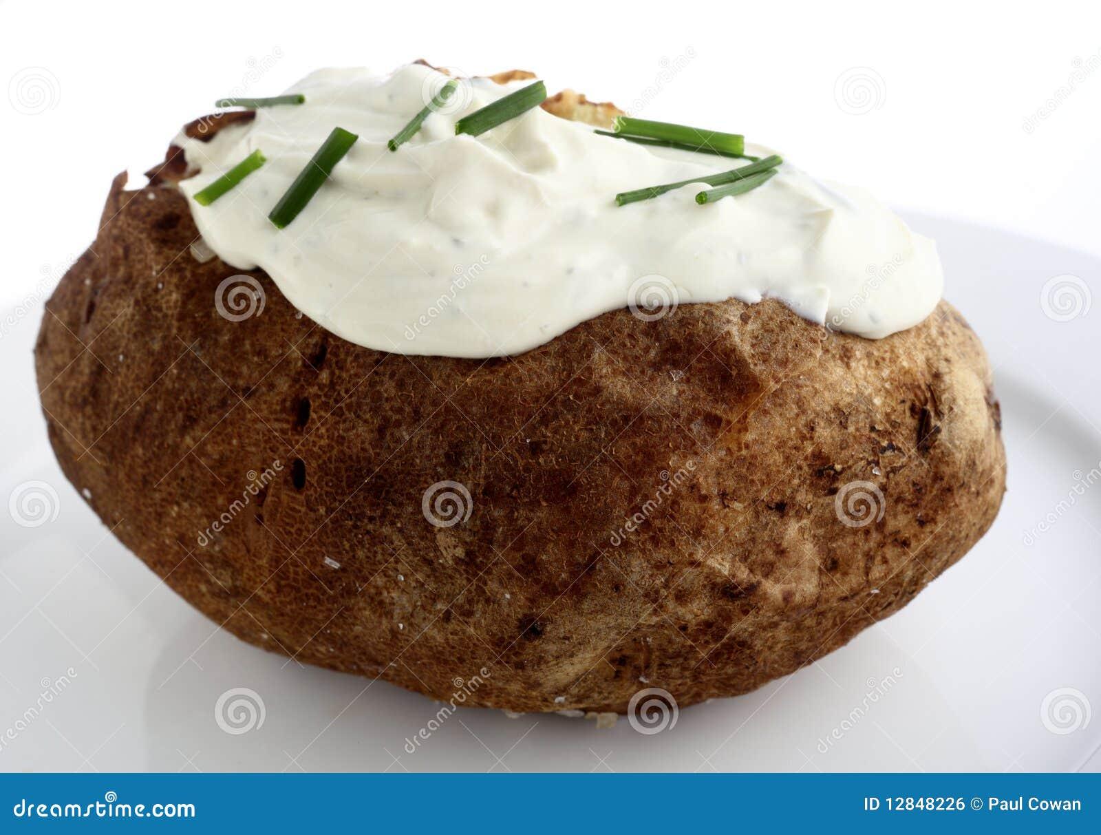 испеченная картошка сливк сыра
