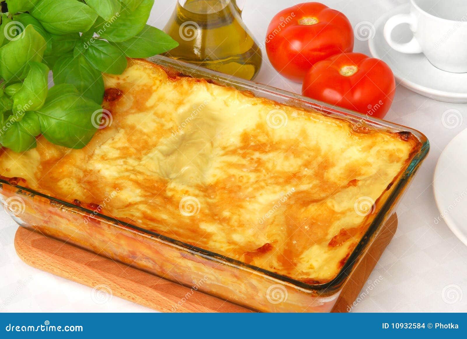 испеченный свеже lasagna