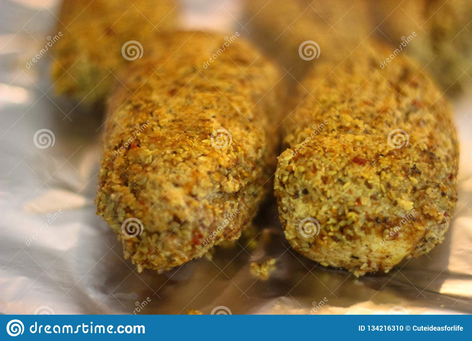 Испеченный цыпленок с семенем сезама
