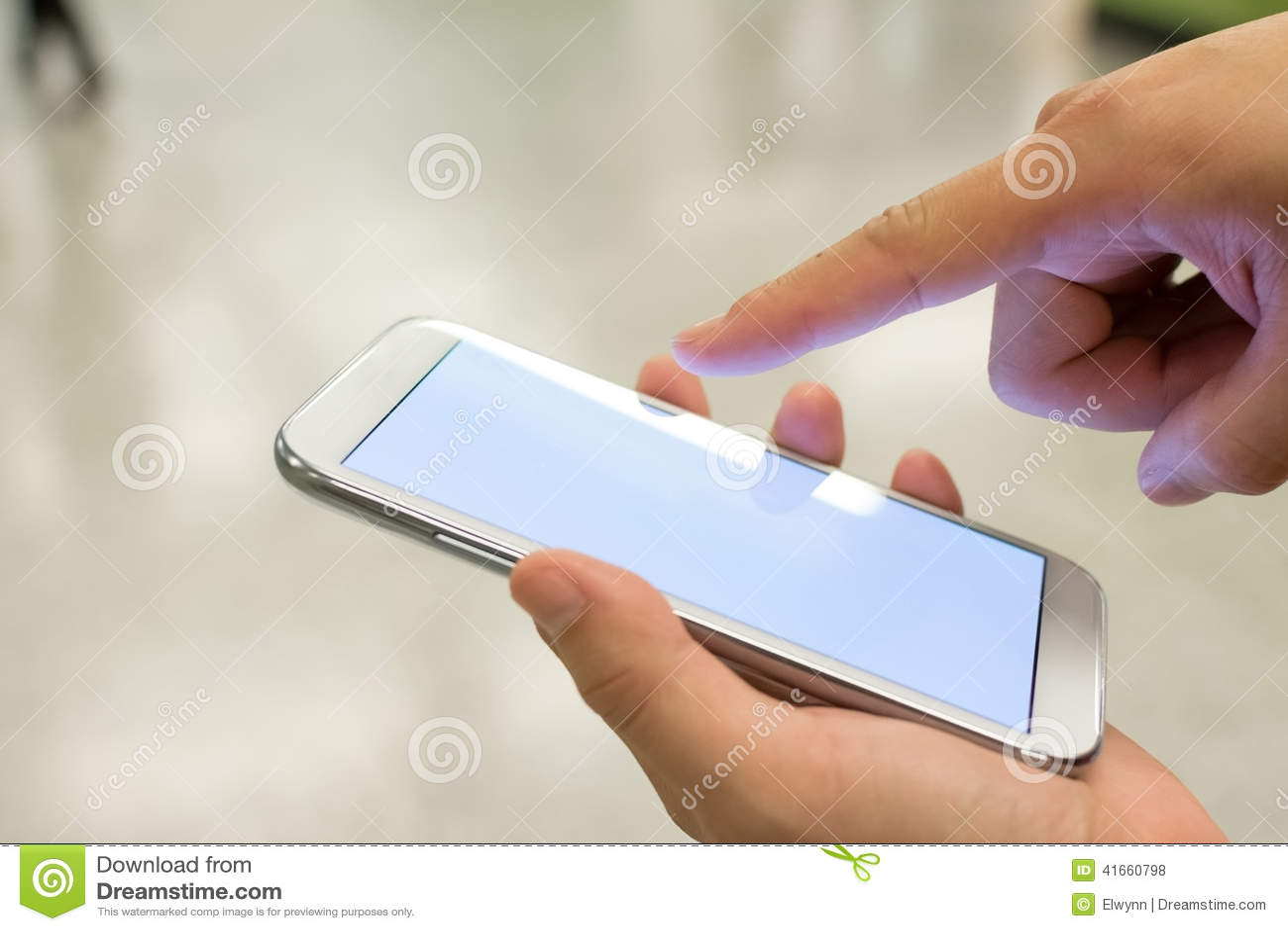 Используя Smartphone