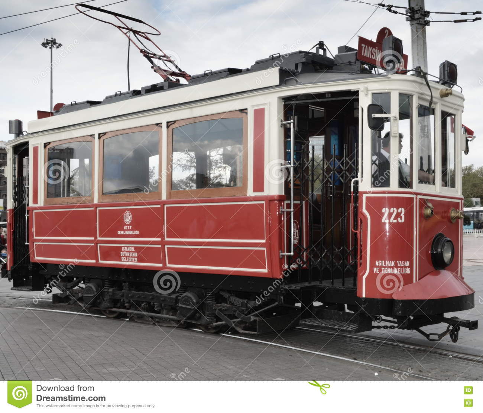 Исторический трамвай на бульваре Ä°stiklal