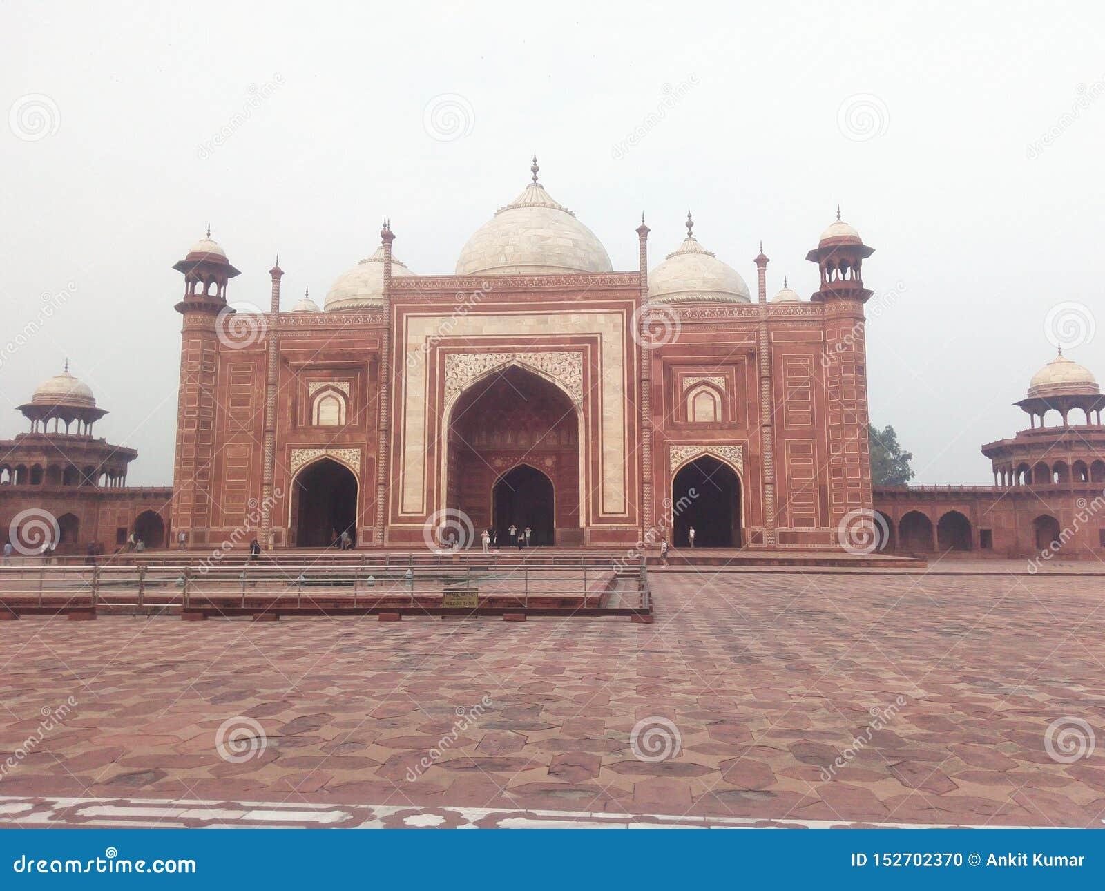 Историческое место в Индии Оно имеет уникальный дизайн