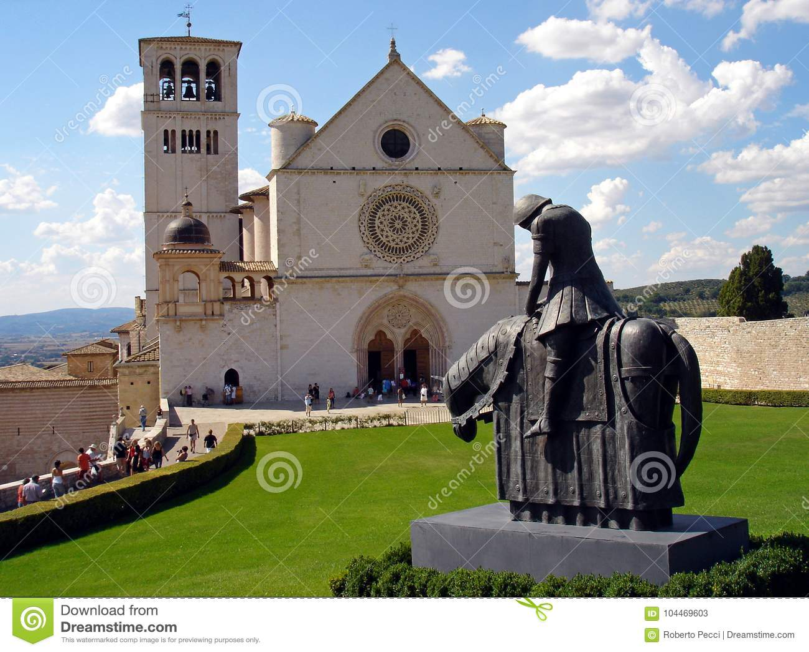 Италия, Умбрия, 28-ое августа 2008, посещение к городу Assisi, взгляд базилики Сан Francesco