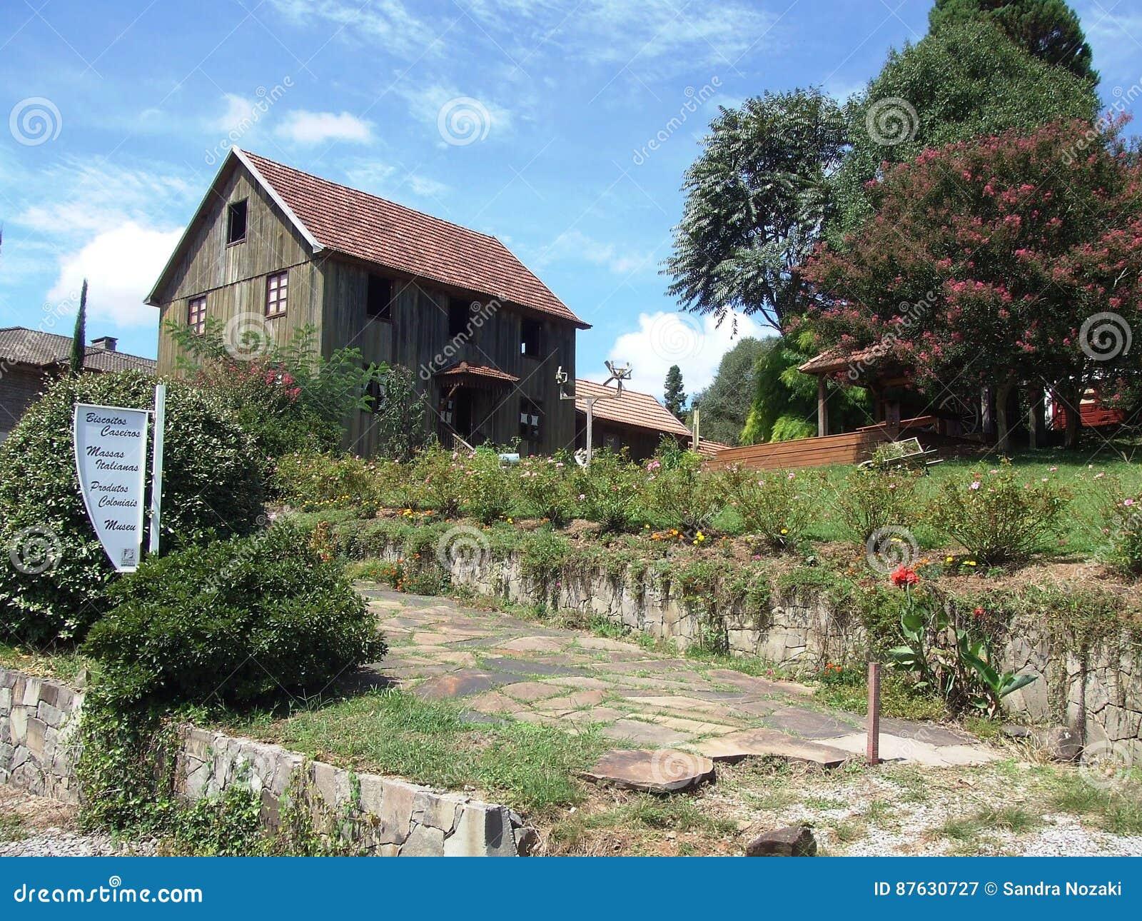 Итальянский деревянный дом