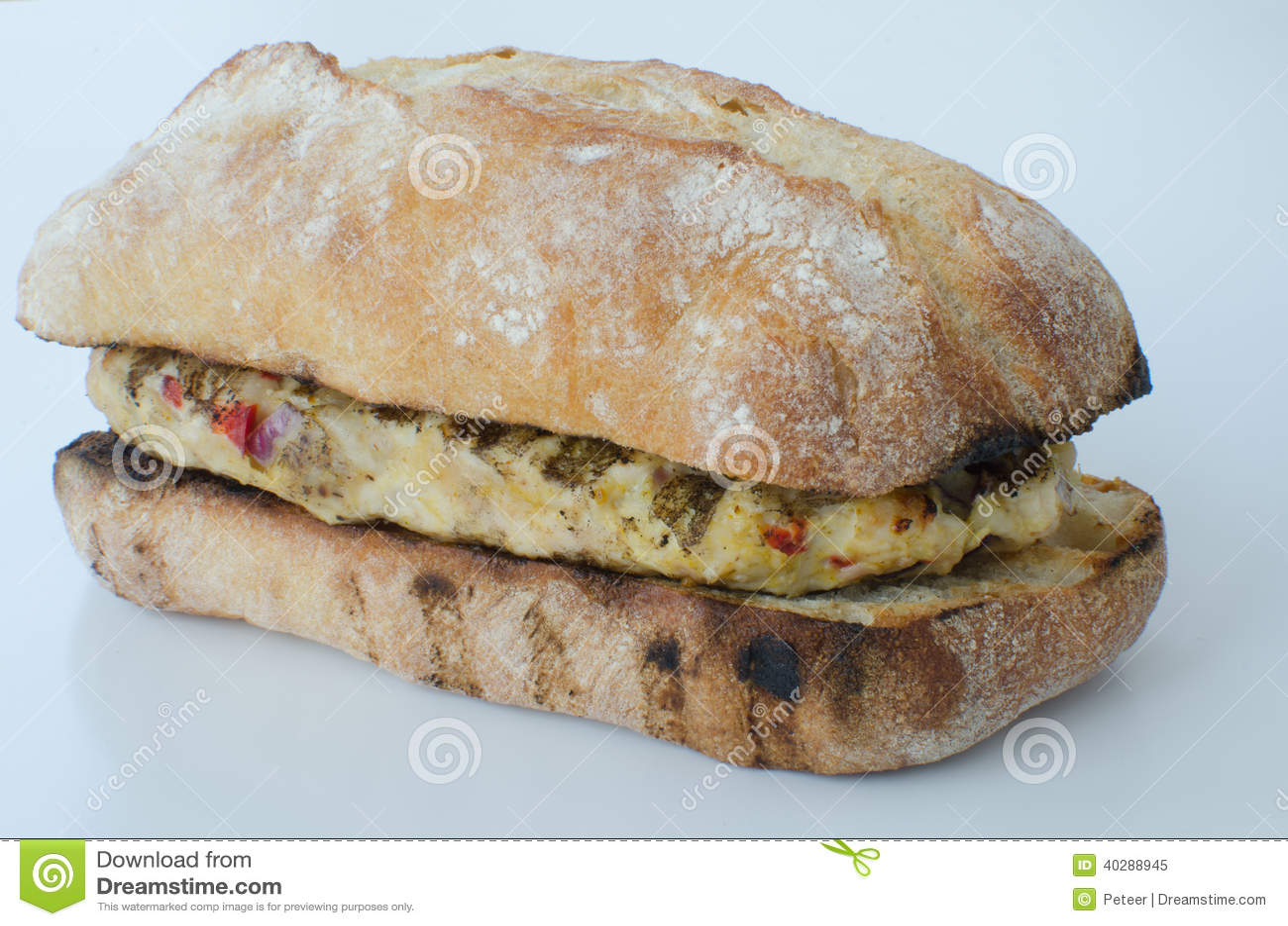 Итальянский изолированный бургер цыпленка