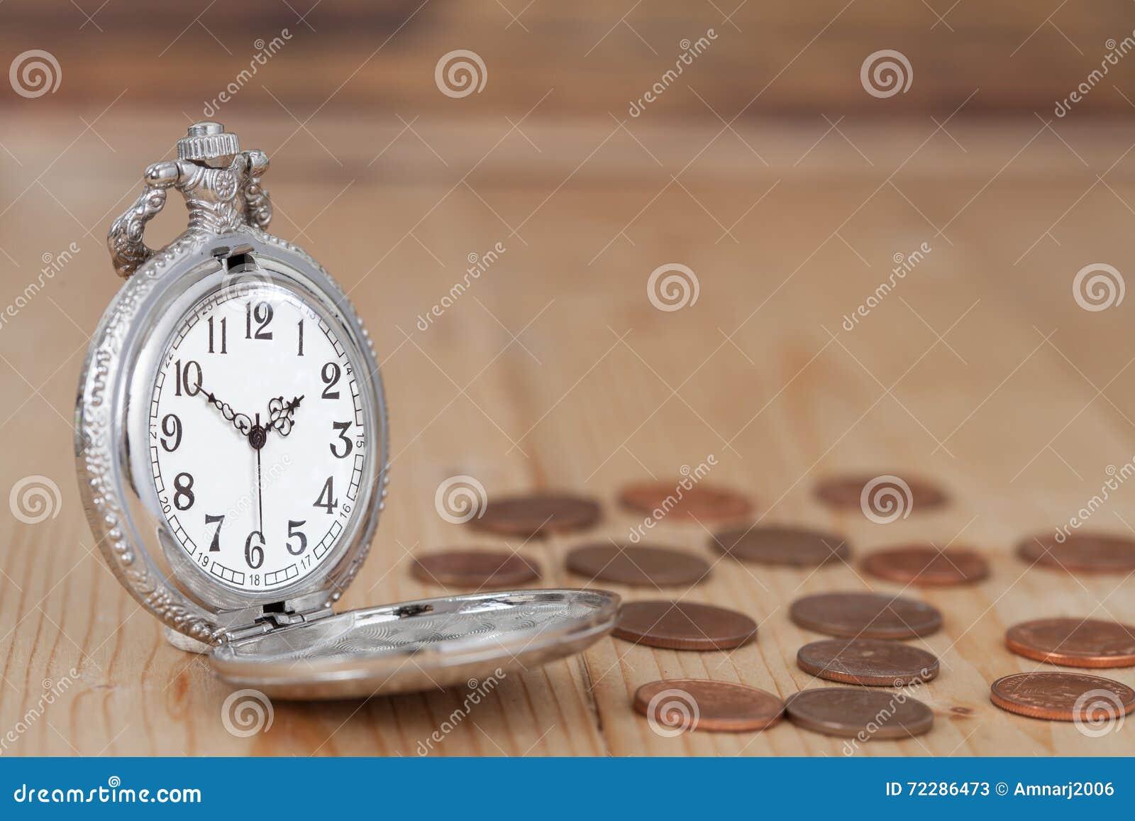 Download Идея, часы и монетки концепции денег дела Стоковое Изображение - изображение насчитывающей золото, дело: 72286473