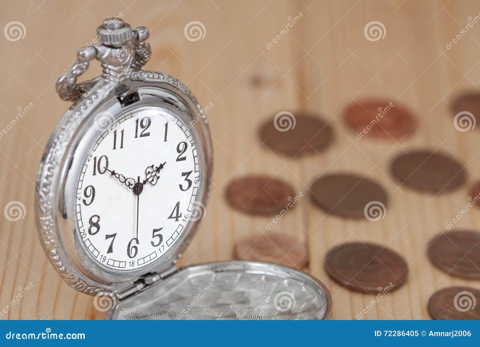 Download Идея, часы и монетки концепции денег Стоковое Изображение - изображение насчитывающей монетки, монетка: 72286405