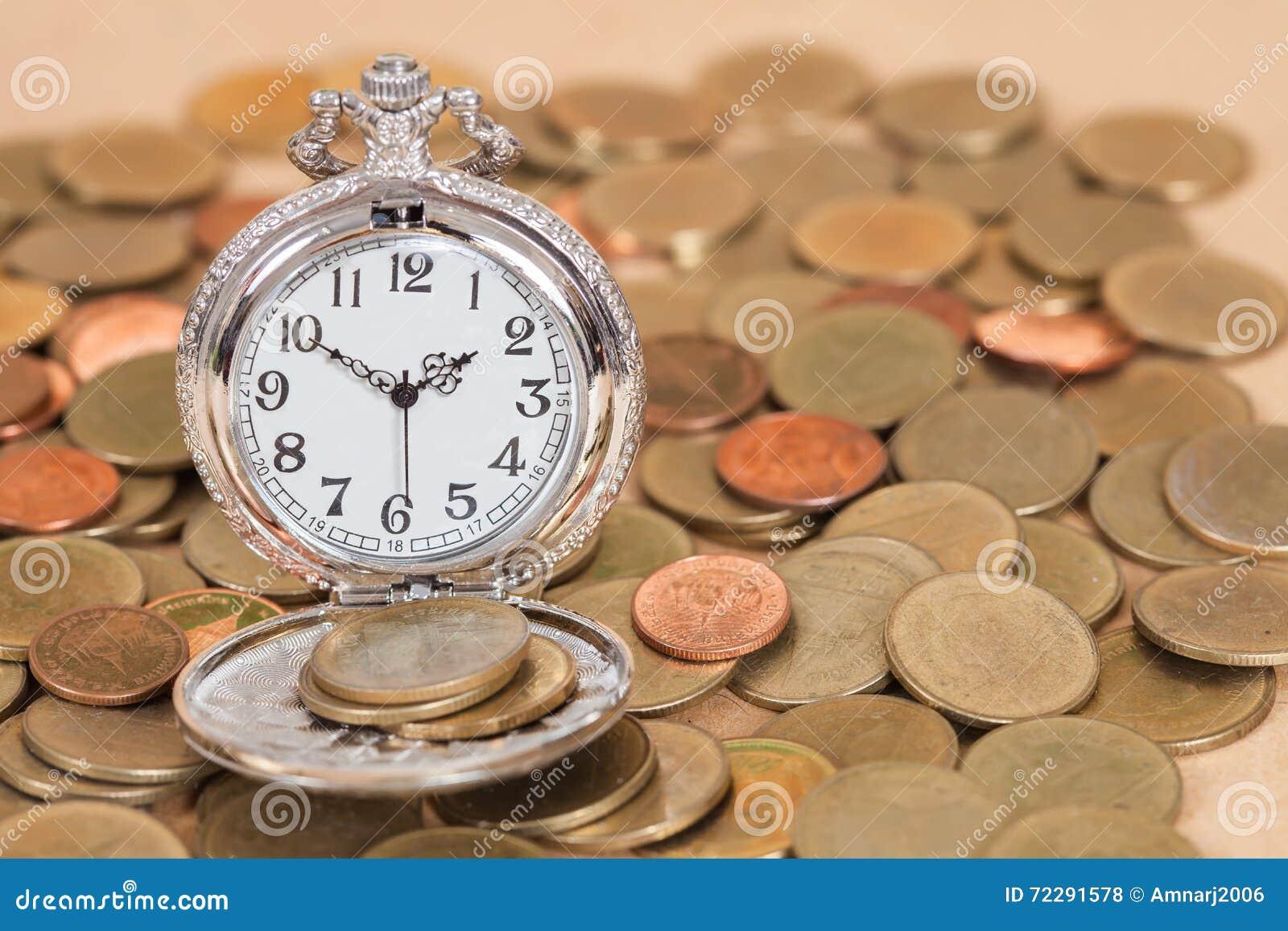Download Идея, часы и монетки концепции дела Стоковое Фото - изображение насчитывающей золото, дело: 72291578