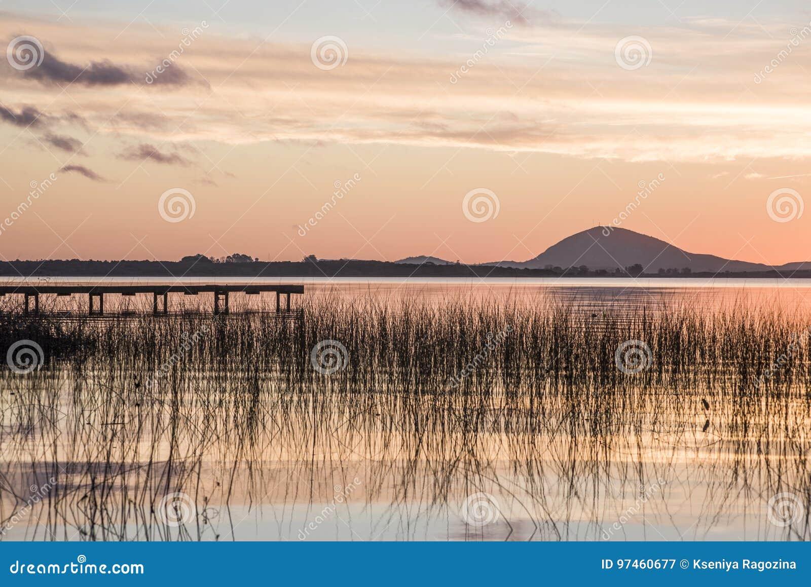 Идилличное озеро верб, отдел Maldonado Уругвая