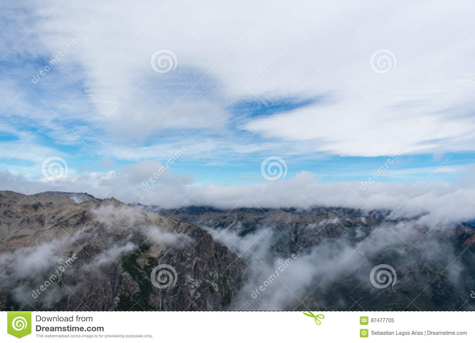 Идти с облаками