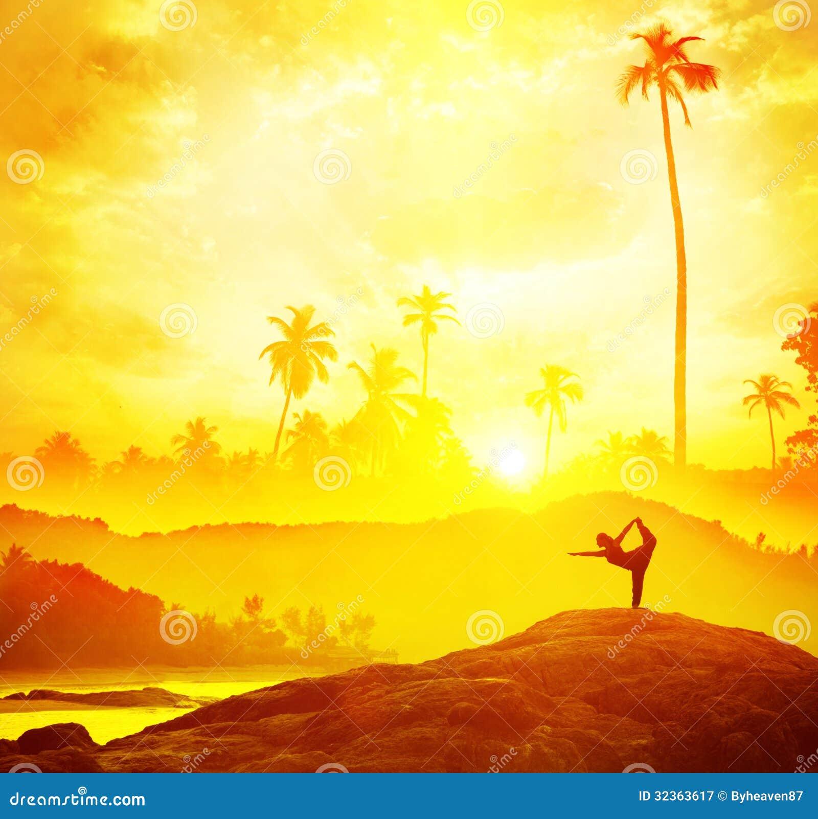 Йога в тропической Индии